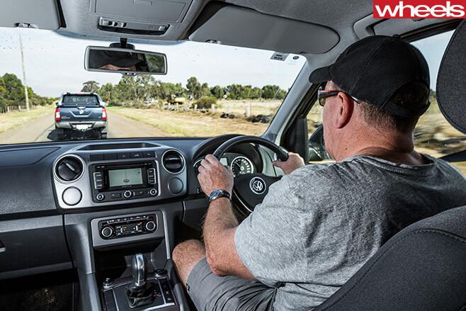 Volkswagen -Amarok -driving