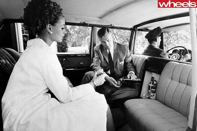 1963-Mercedes -Benz -600-interior -rear -seats