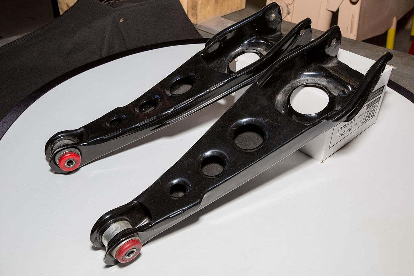 rear control arms for commodore