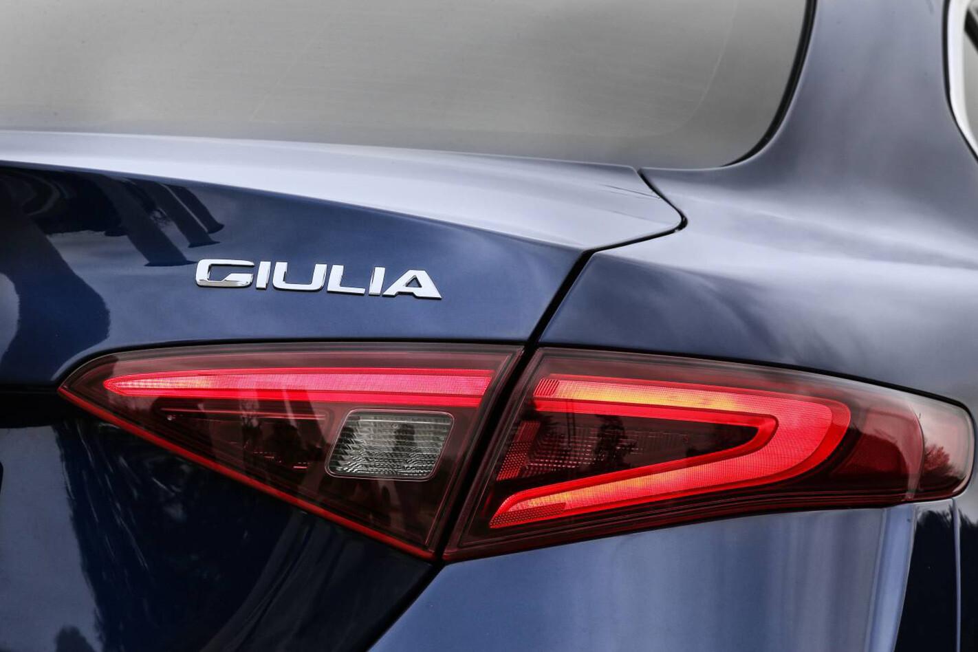 Alfa Romeo Giulia Qv Rear Light Detail Close Jpg