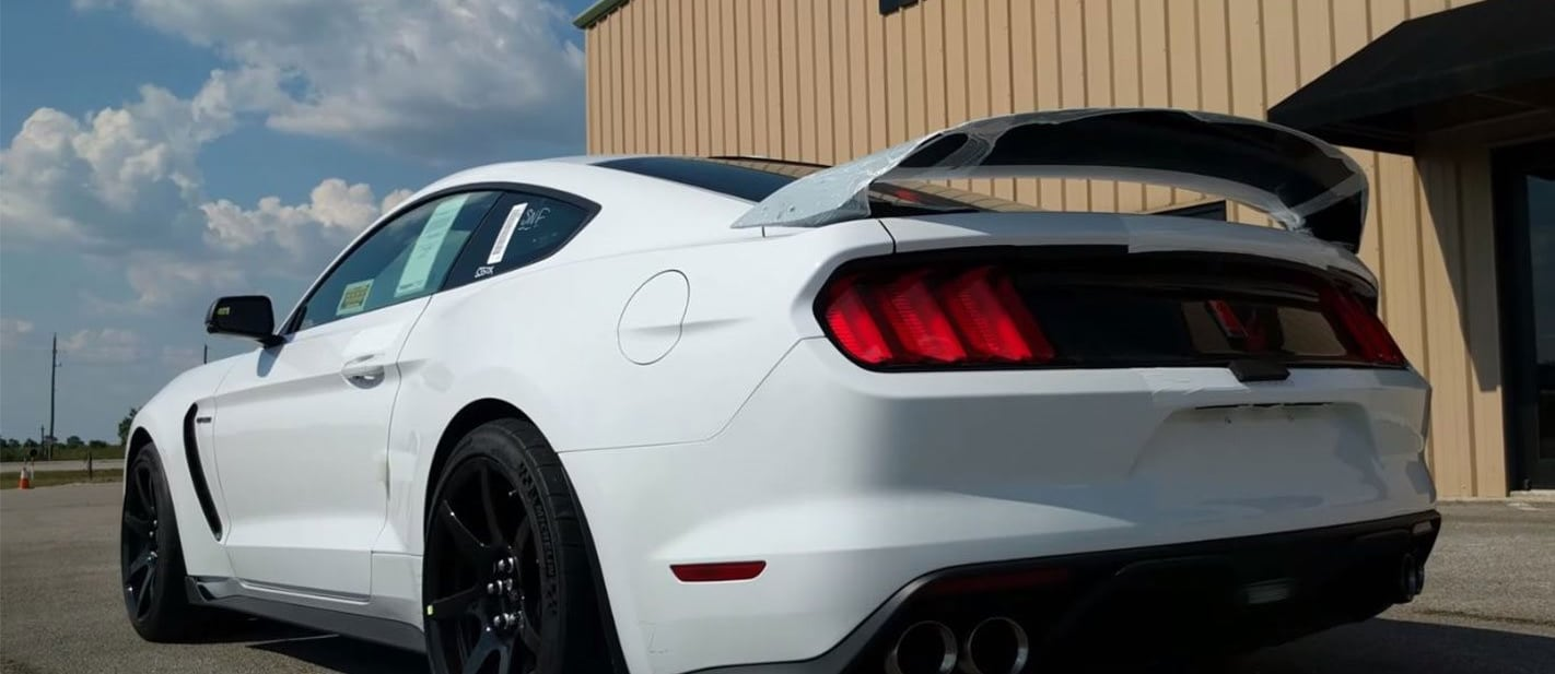 Shelby GT350R acceleration
