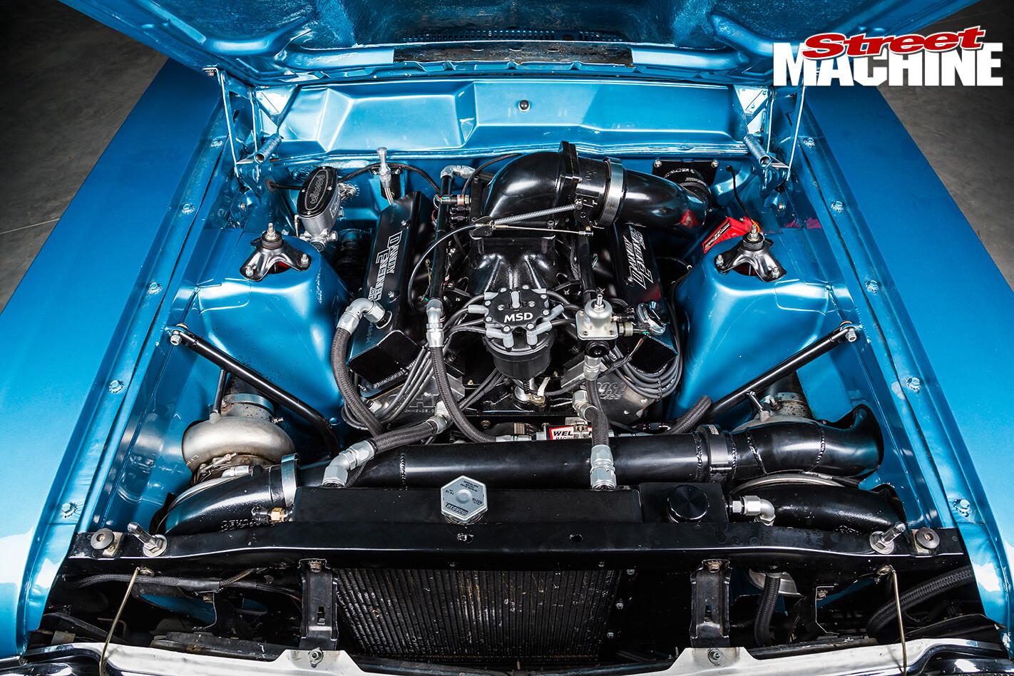 XW-Falcon -8-blue -engine