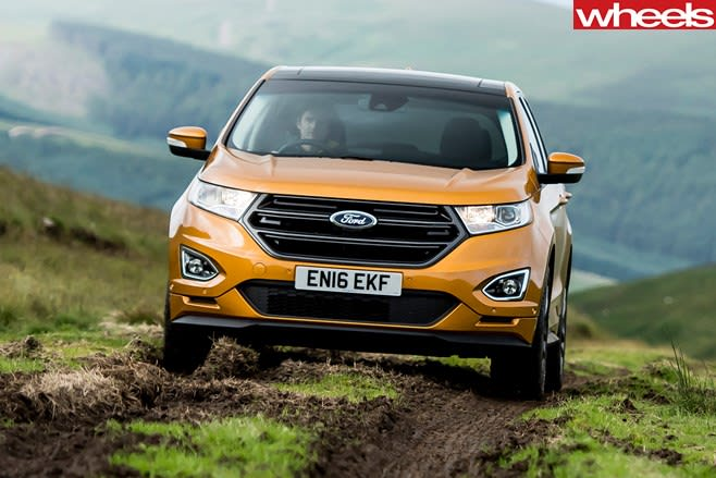 Ford -Edge -driving -front