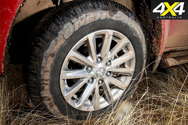 Mitsubishi -triton -tyre