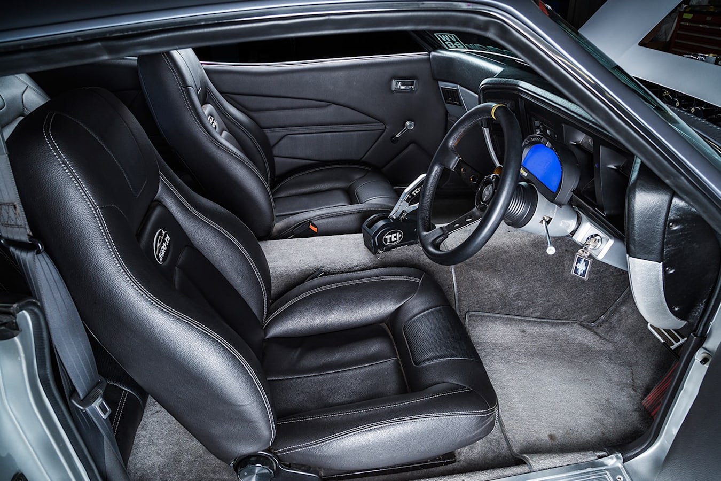 Ford FAlcon XA coupe interior front