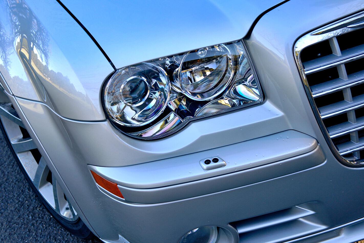 Chrysler 300C headlight