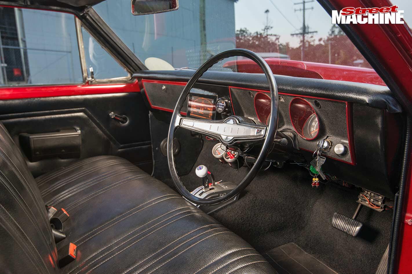 Holden HG wagon interior