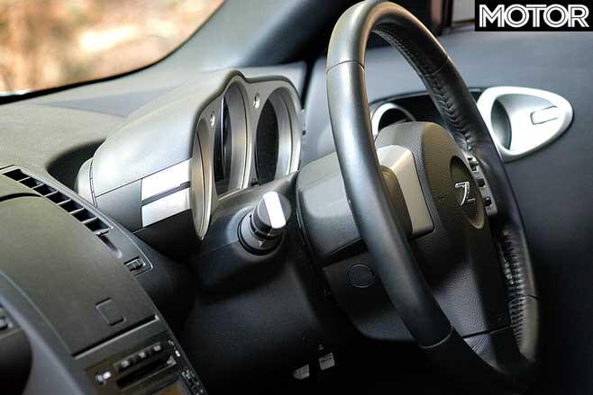 Performance Car Of The Year 2004 Nissan 350 Z Instrument Pod Jpg