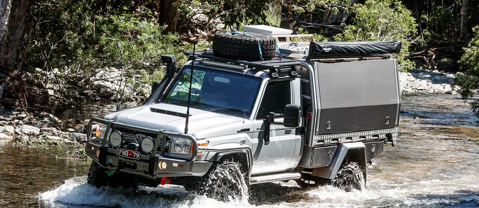 Custom portal-axled Toyota Land Cruiser 79 review