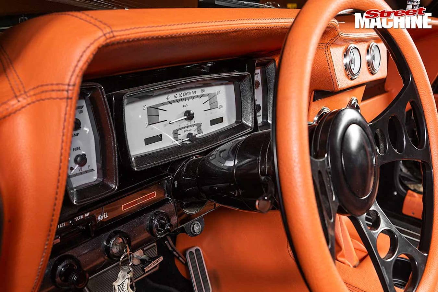 Lincoln Continental dash
