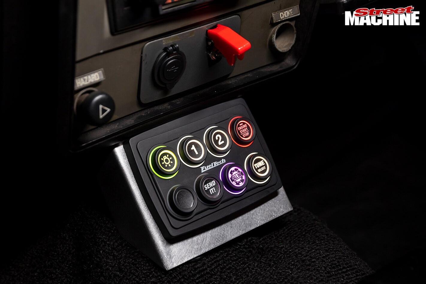 Ford XD Falcon console