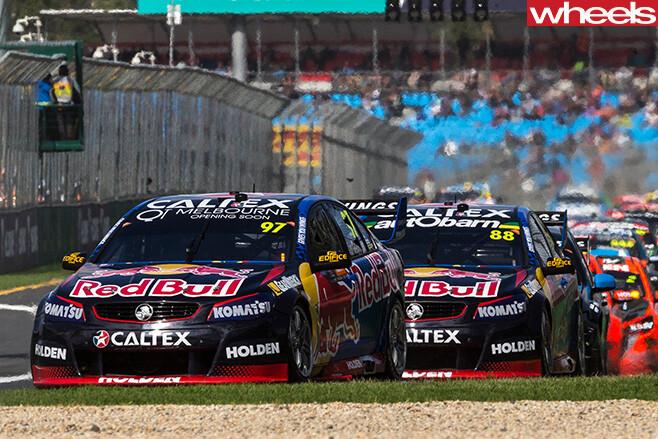 V8-Supercars -driving -corner
