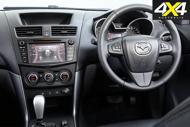Mazda bt-50 2016 interir