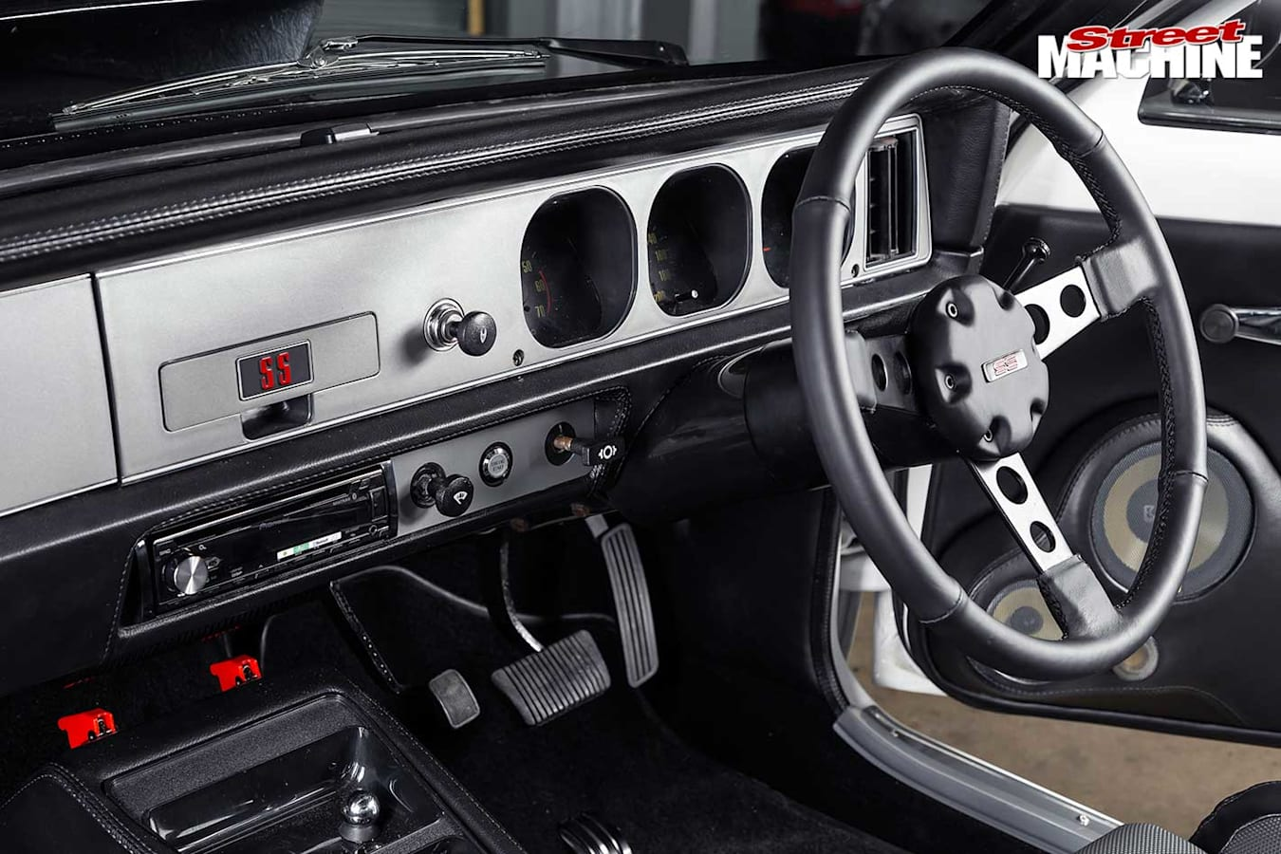 Holden Torana LX SS dash