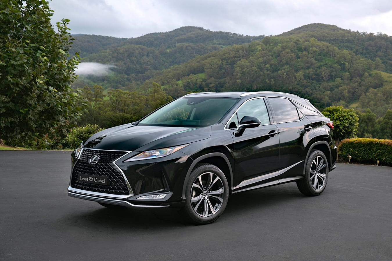 Lexus RX Crafted Edition 2021