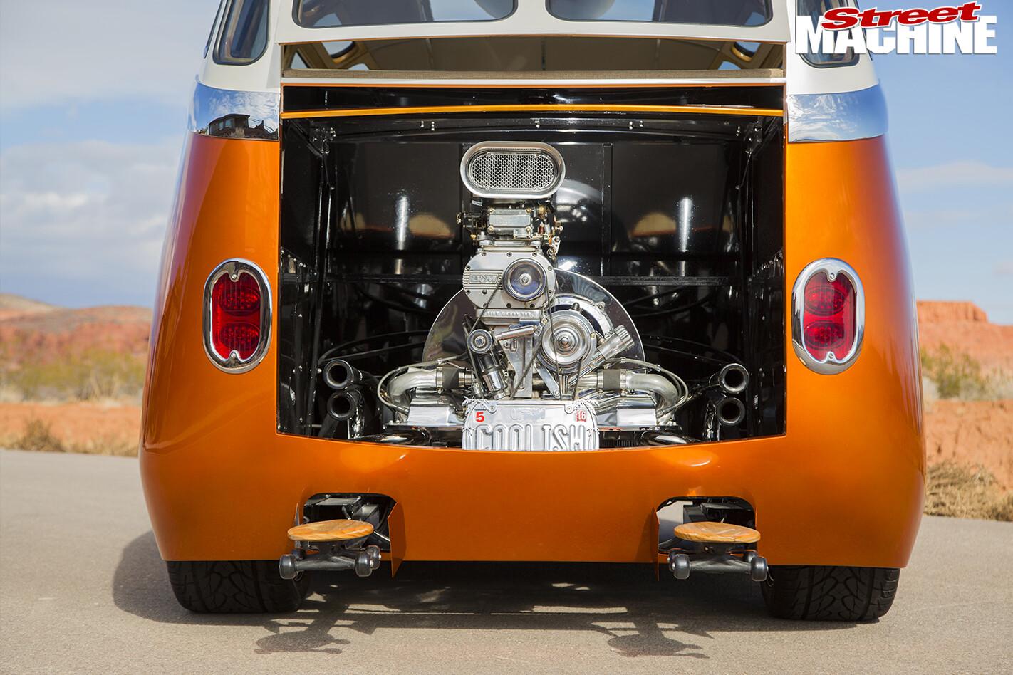 VW-Kombi -rear -door -open
