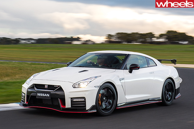 Nismo -GT-R-driving -around -track
