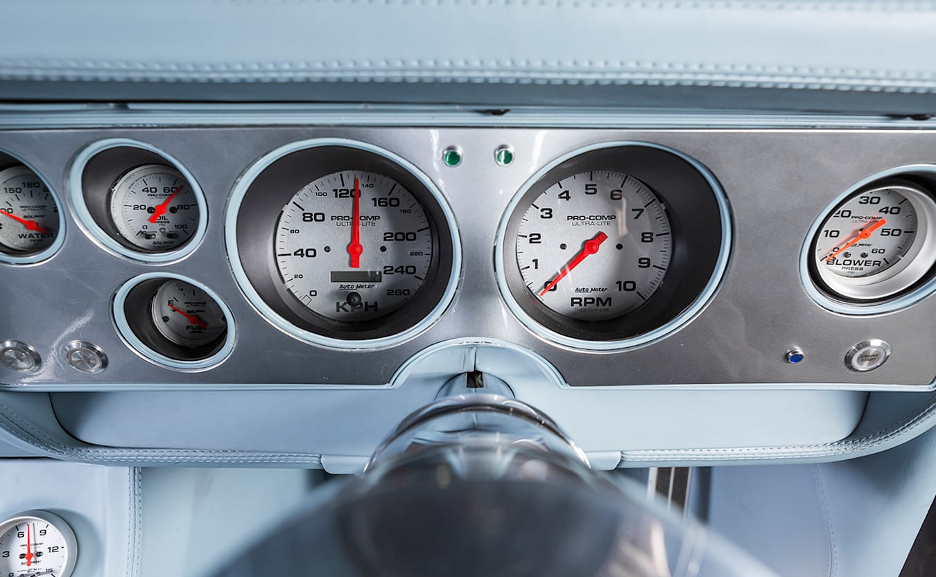 Ford Falcon XC hardtop gauges
