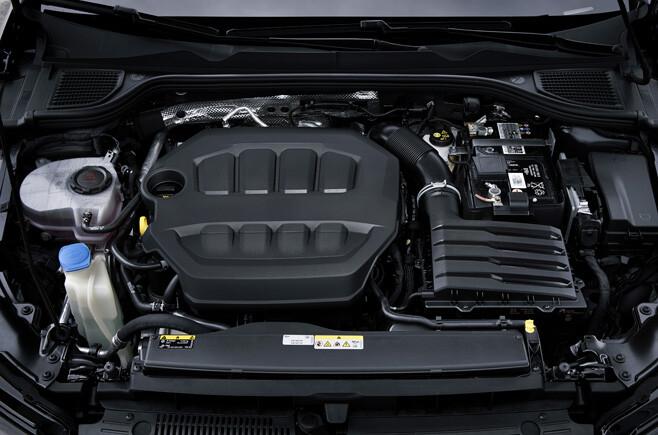 2021 Volkswagen Golf R engine