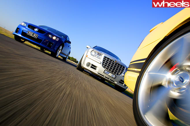 Holden -Commodore -Chrysler -300-and -FPV-GT-driving