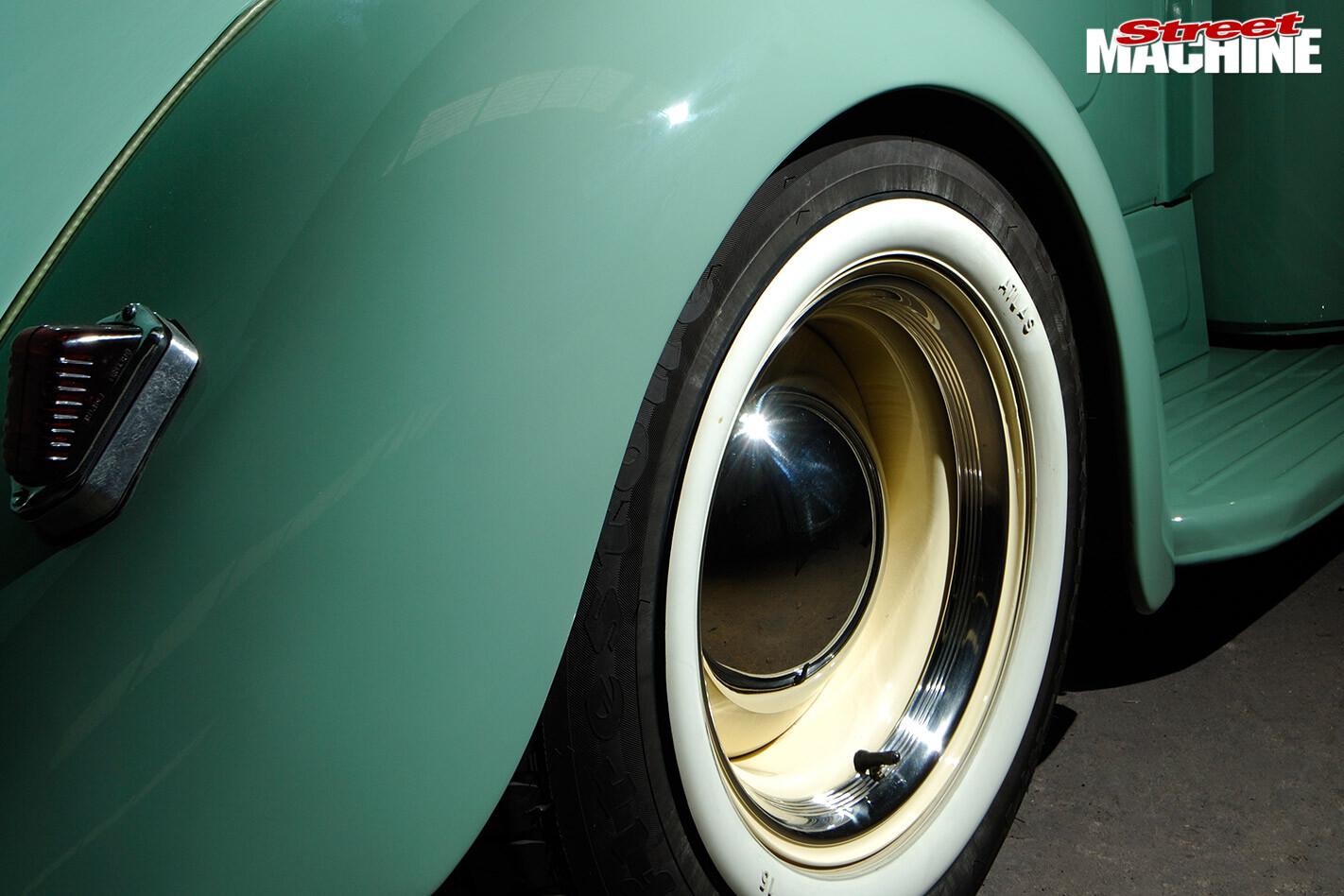 1948 Studebaker M5 pickup wheel