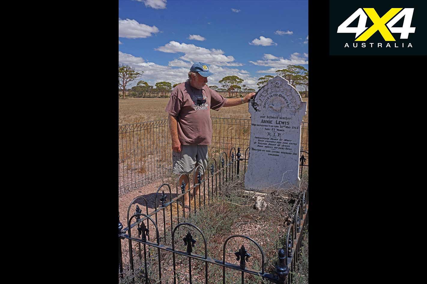 Finding Australia History In Cemeteries Ron Moon Jpg