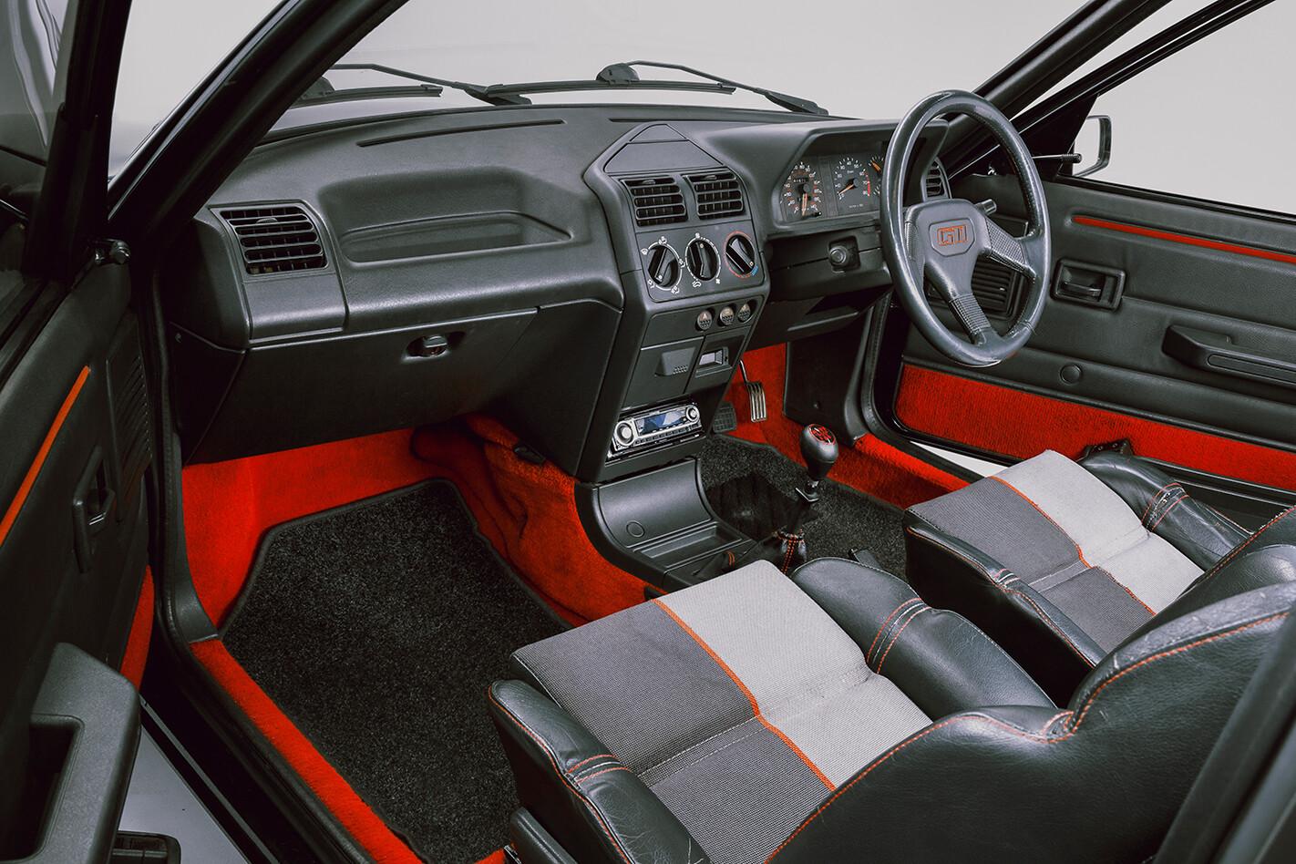 Classic Peugeot 205 GTi Interior