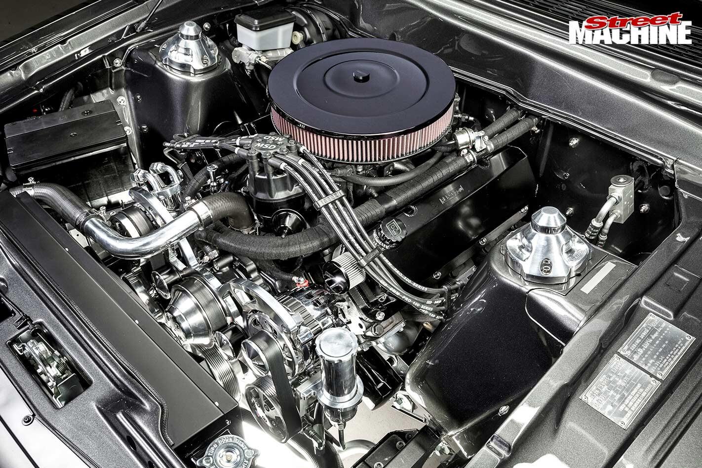 Ford XD Falcon engine bay