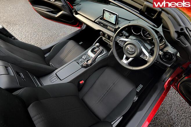 Mazda -MX-5-interior -top