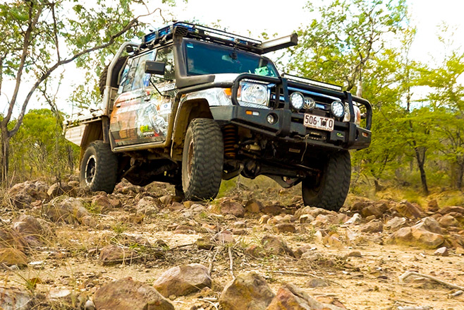 Ngukkur-and-The-Ruin-City,-Northern-Territory-track-in