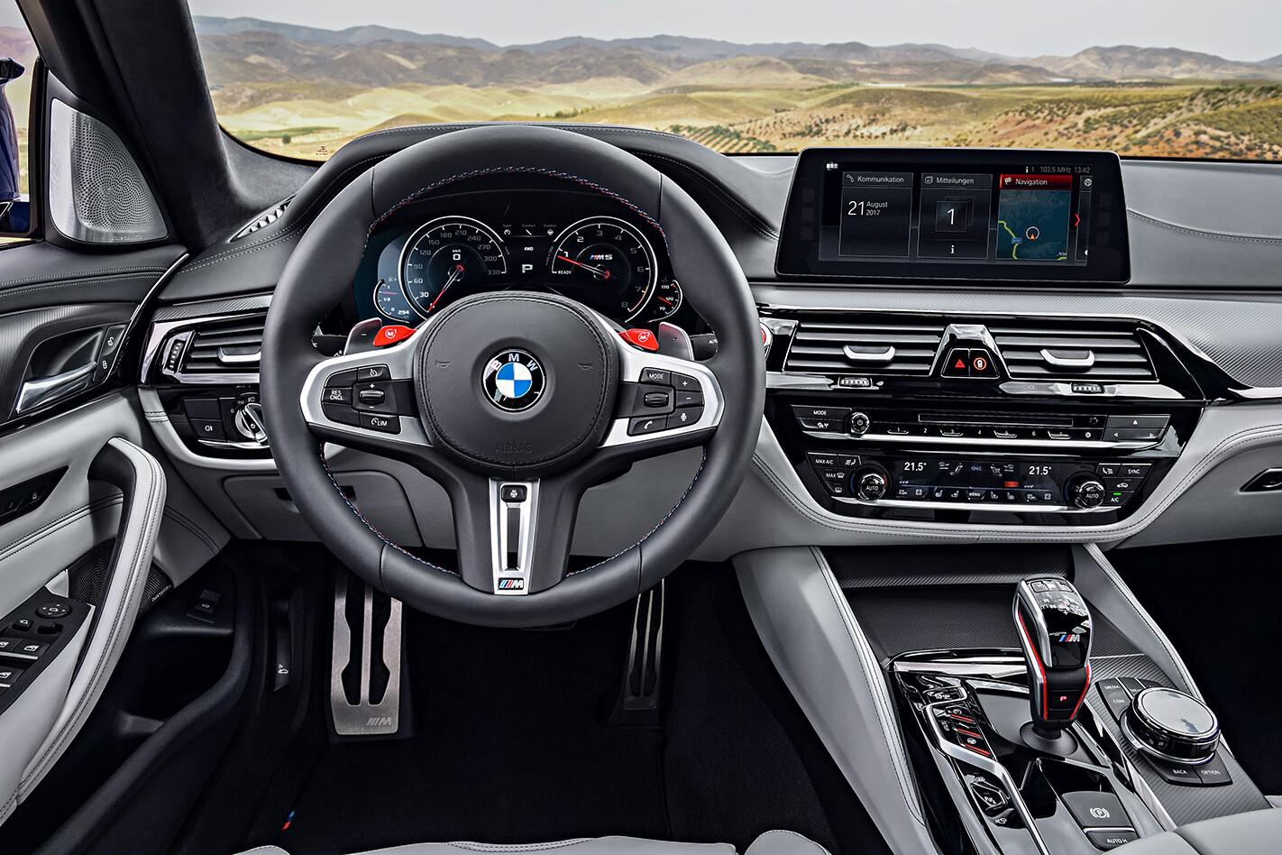 2018 BMW M5 steering wheel