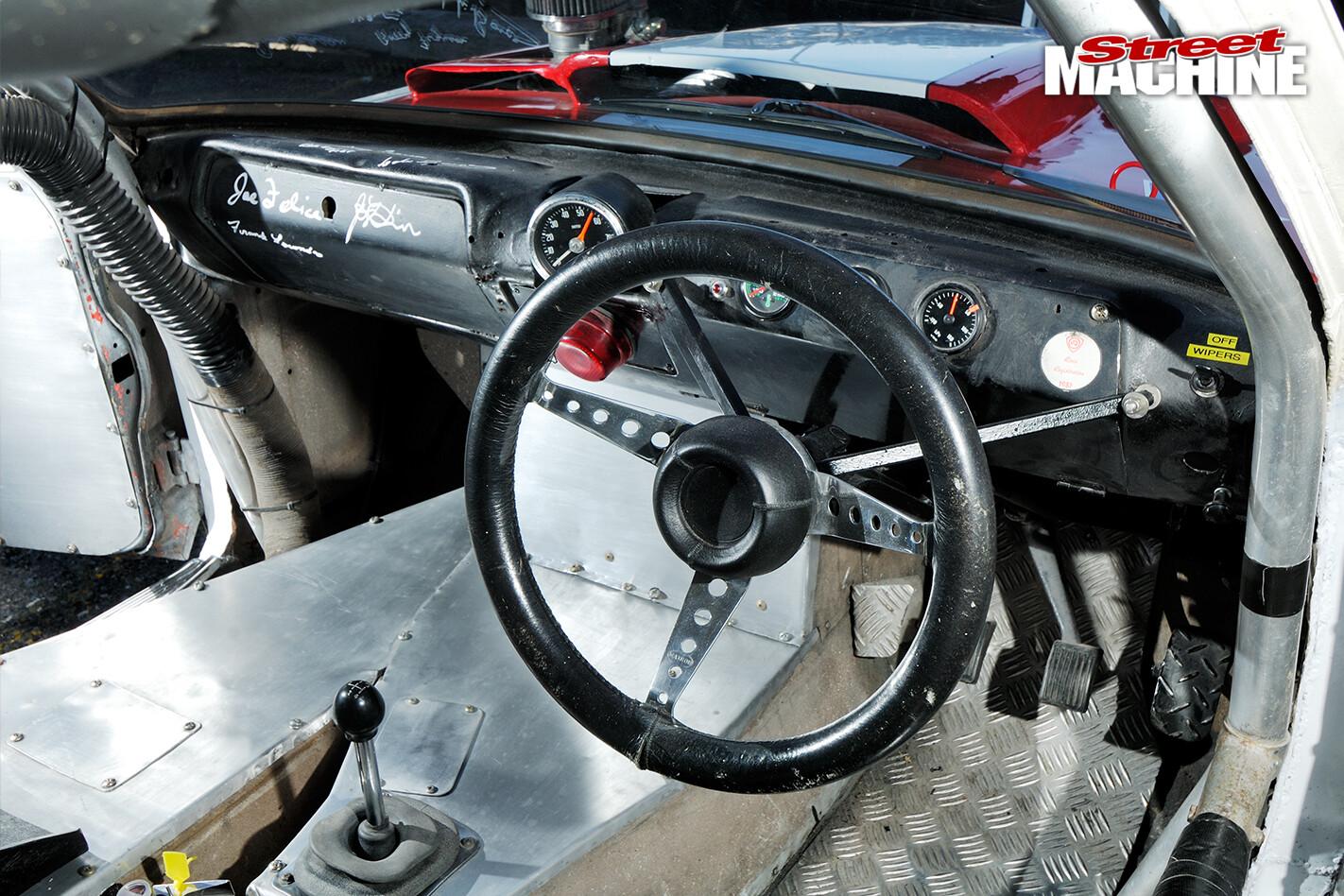 Holden -Torana -XU1-Saggy -Sarah -interior -detail