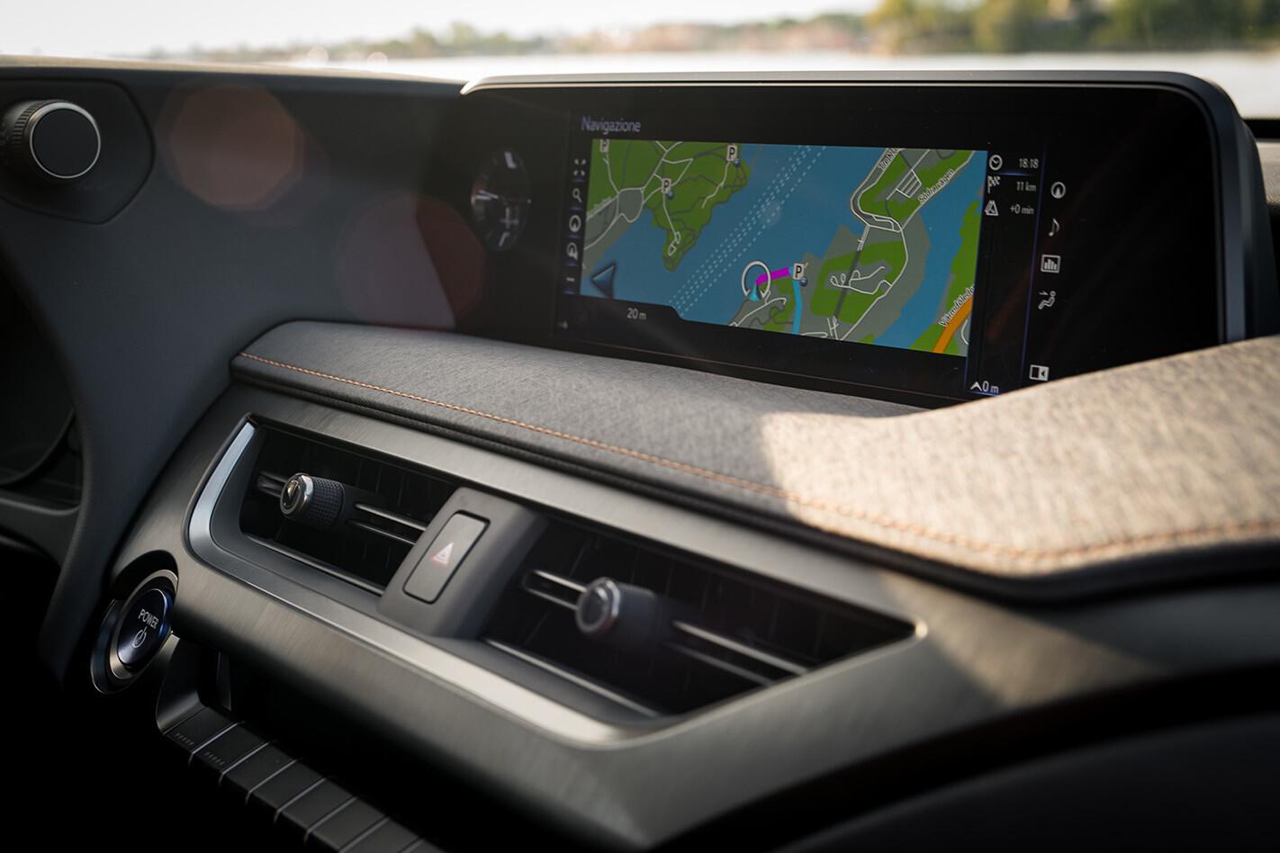 Lexus UX INTERIOR Infotainmentscreen Jpg