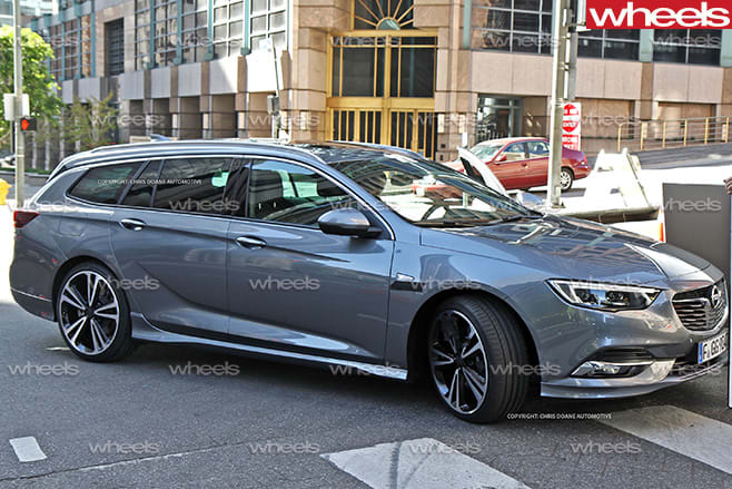 2017-Holden -Commodore -wagon -front -side