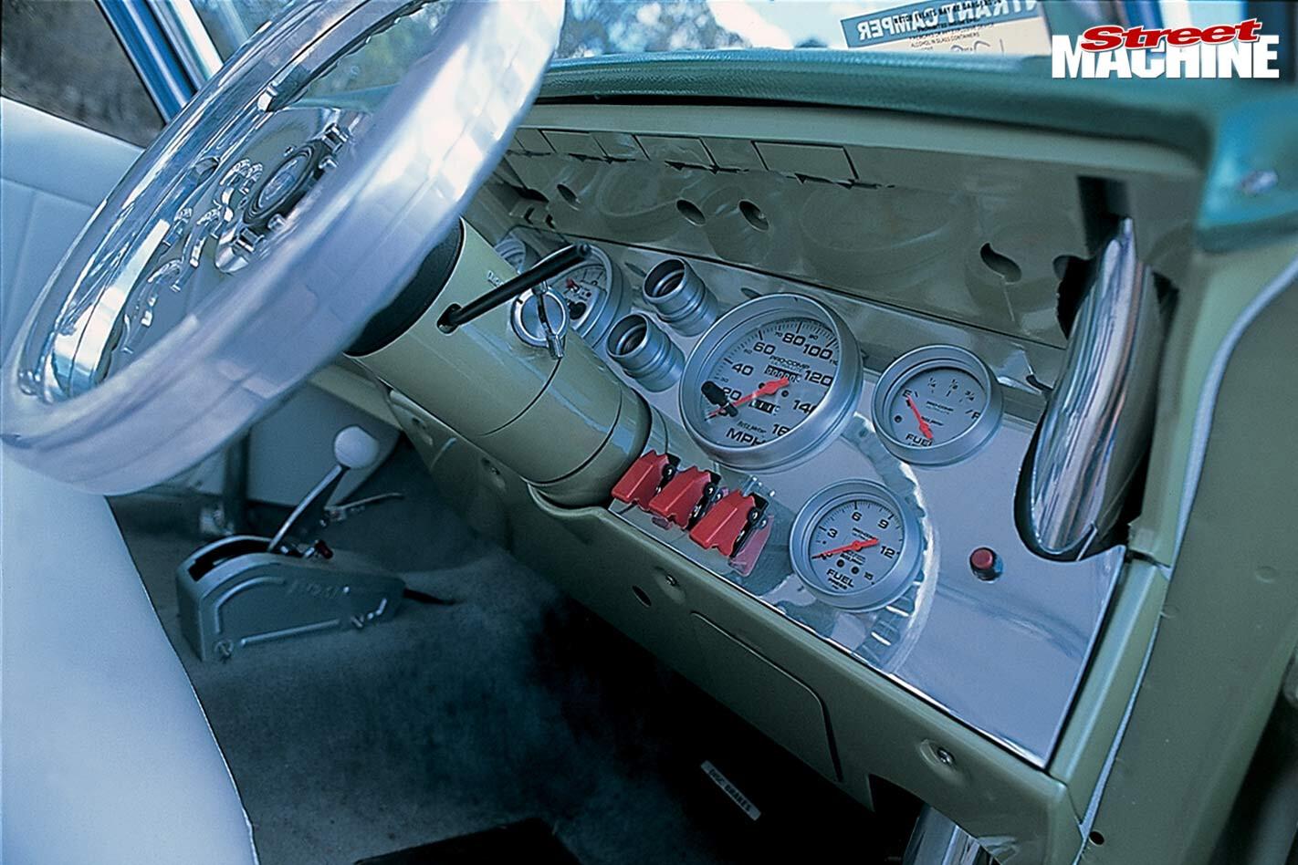 Holden HQ wagon dash
