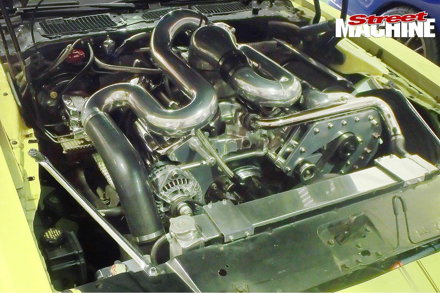 Snowy -1000-SM15-Pontiac -pipes