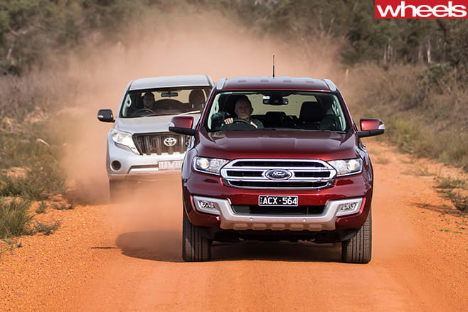 Everest -v -Prado -front -driving -dirt