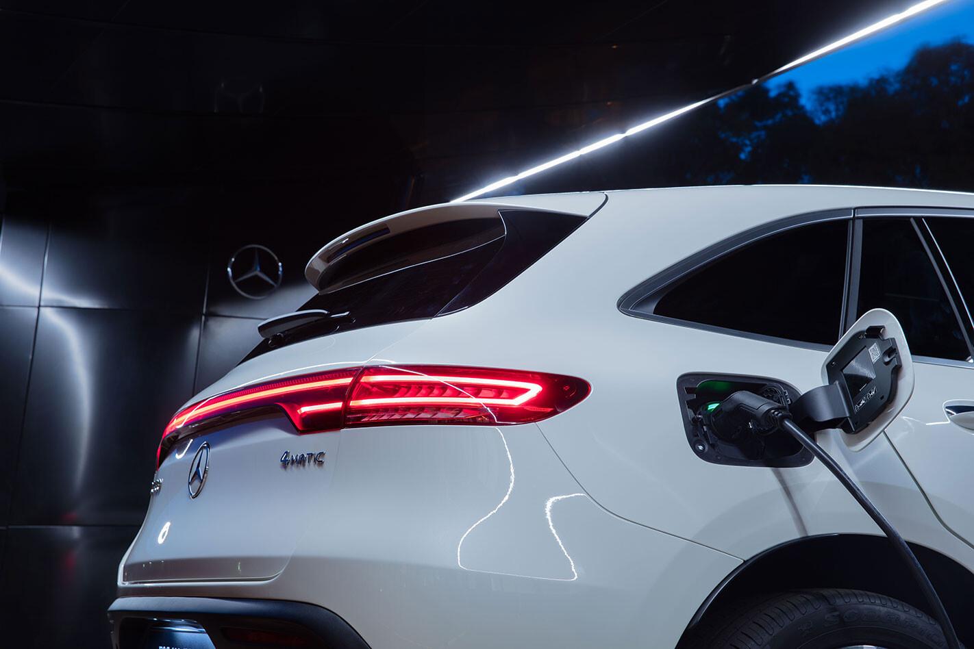 2020 Mercedes-Benz EQC Electric Charging