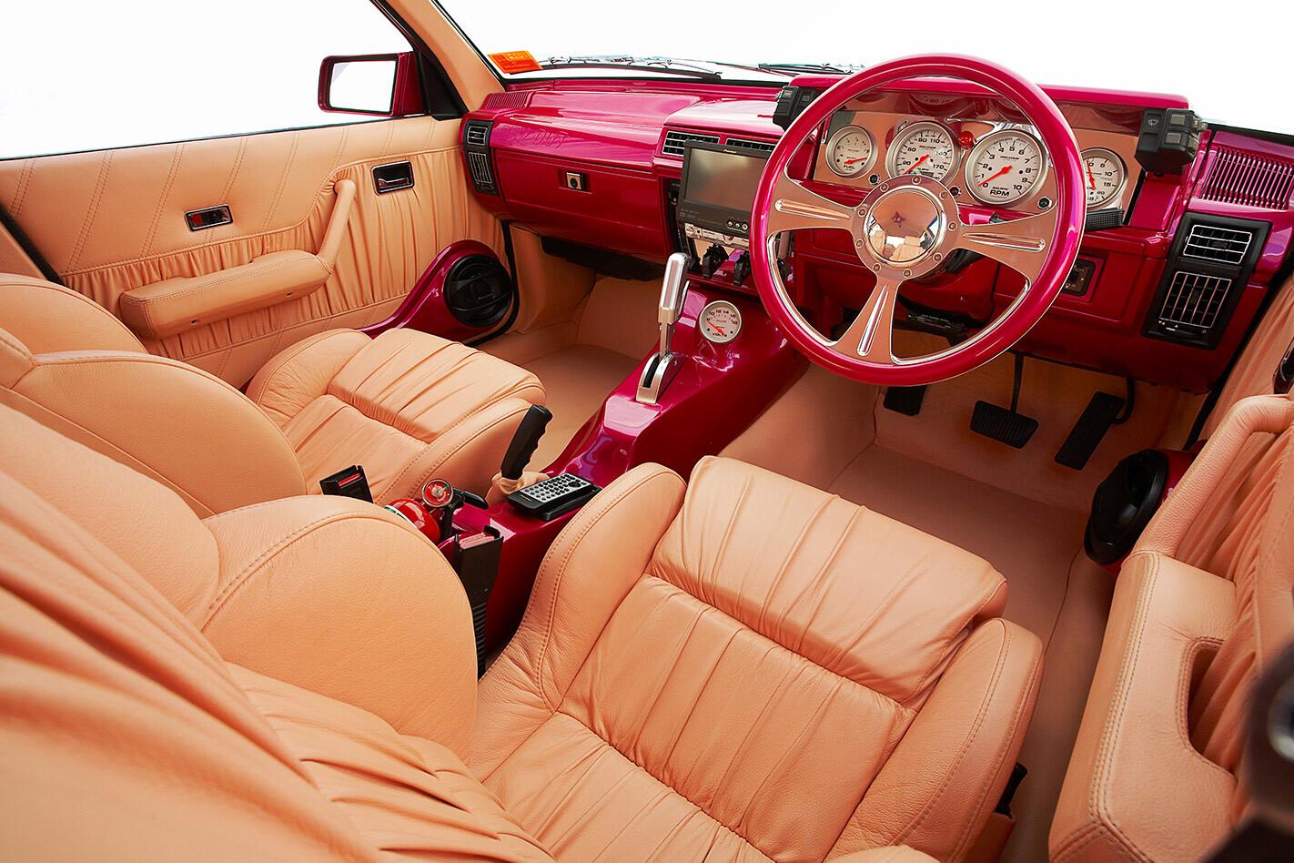 Holden VL Calais interior front