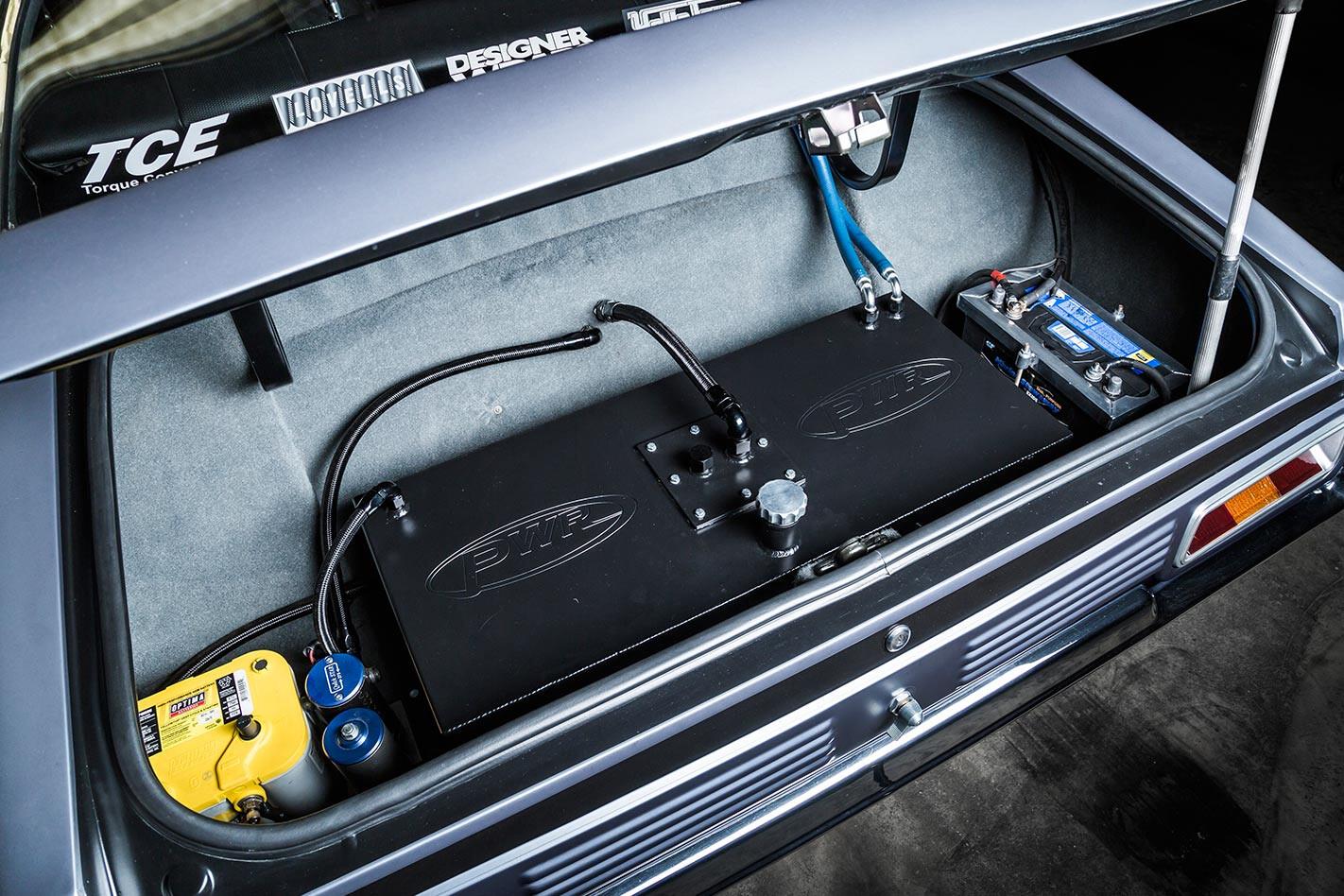 Ford Falcon XA coupe tank