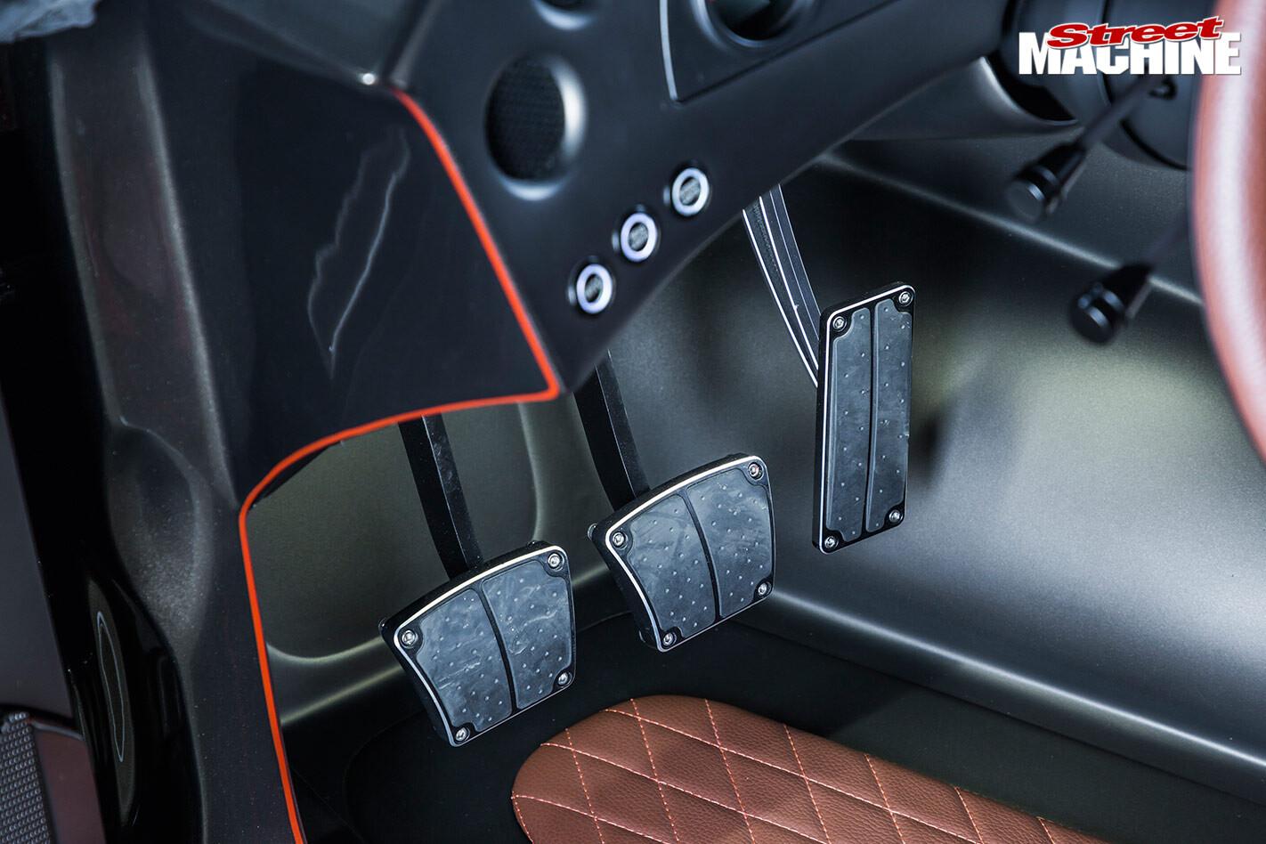HAVOC dodge challenger pedals