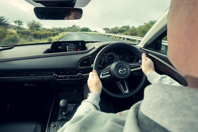 Mazda CX-30 G25 Astina driving