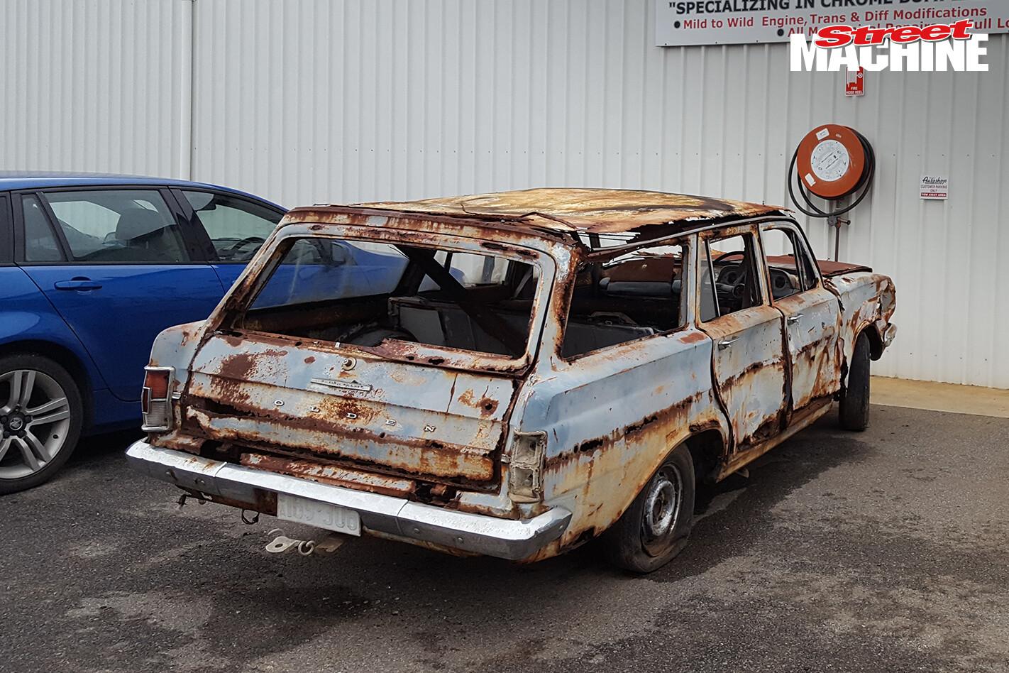 EH Holden Wagon Rusty 12
