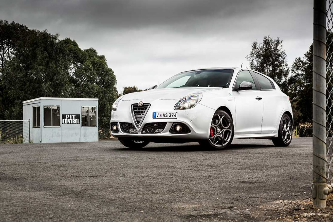 Alfa Giulietta Qv Motor Embedd Jpg