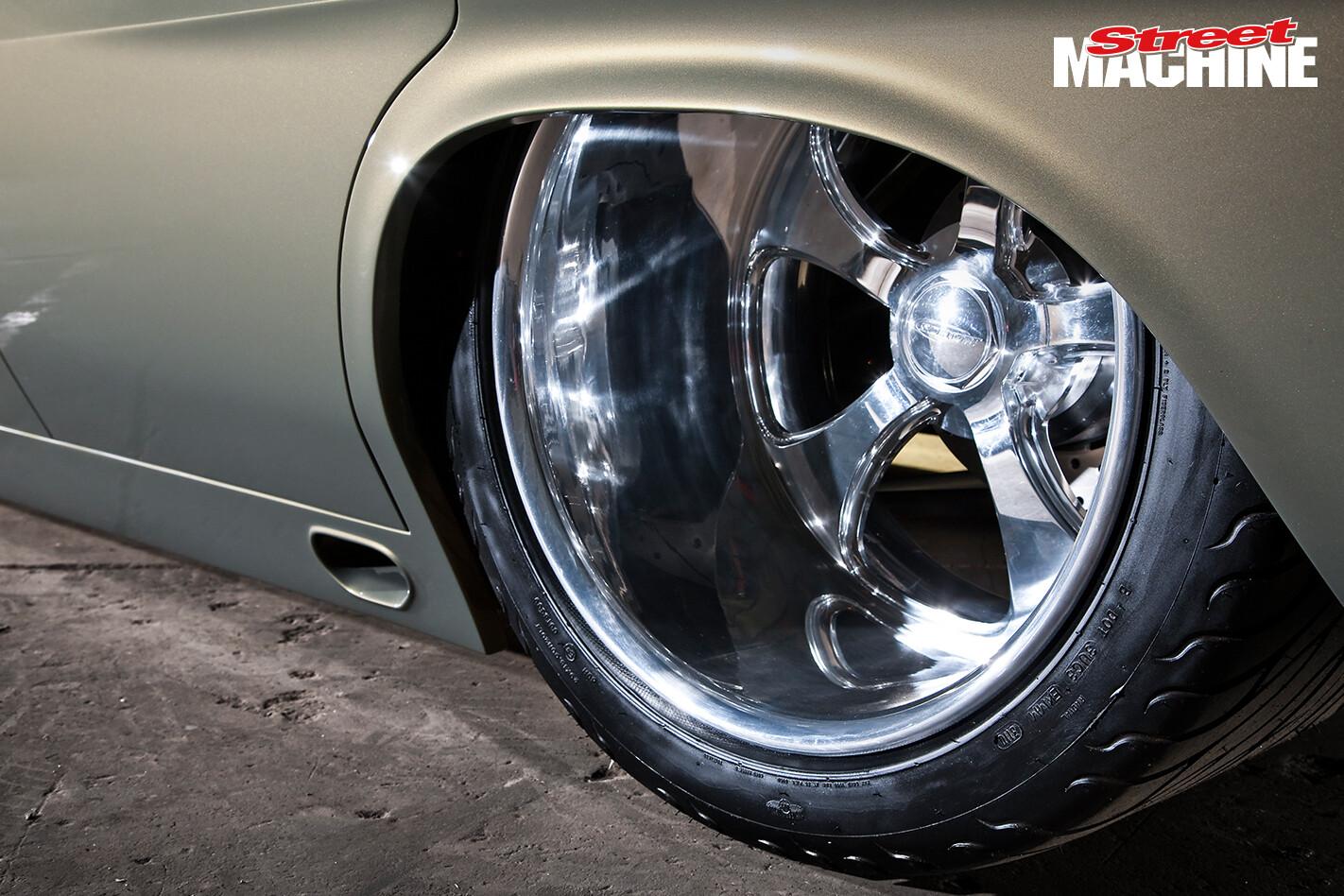 HQ Holden Sedan TOXICQ Wheels 1