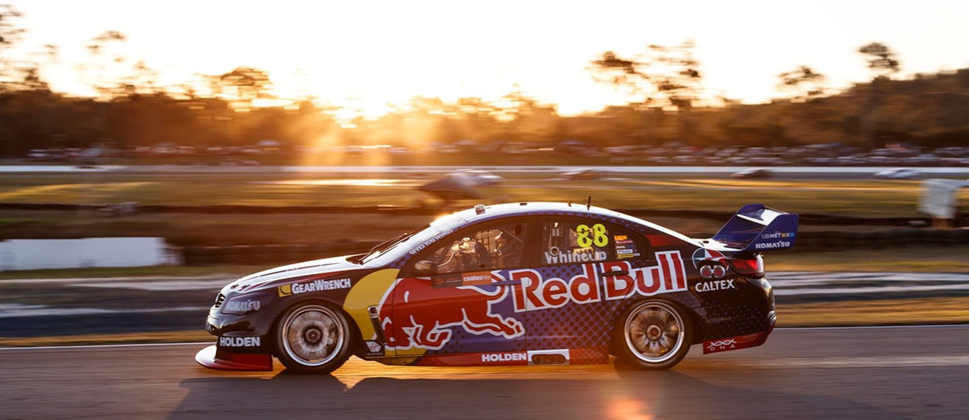 V8 Supercars - Team-mates push championship benchmark Whincup to improve
