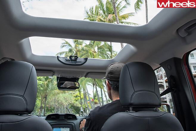 Jeep -Renegade -sunroof