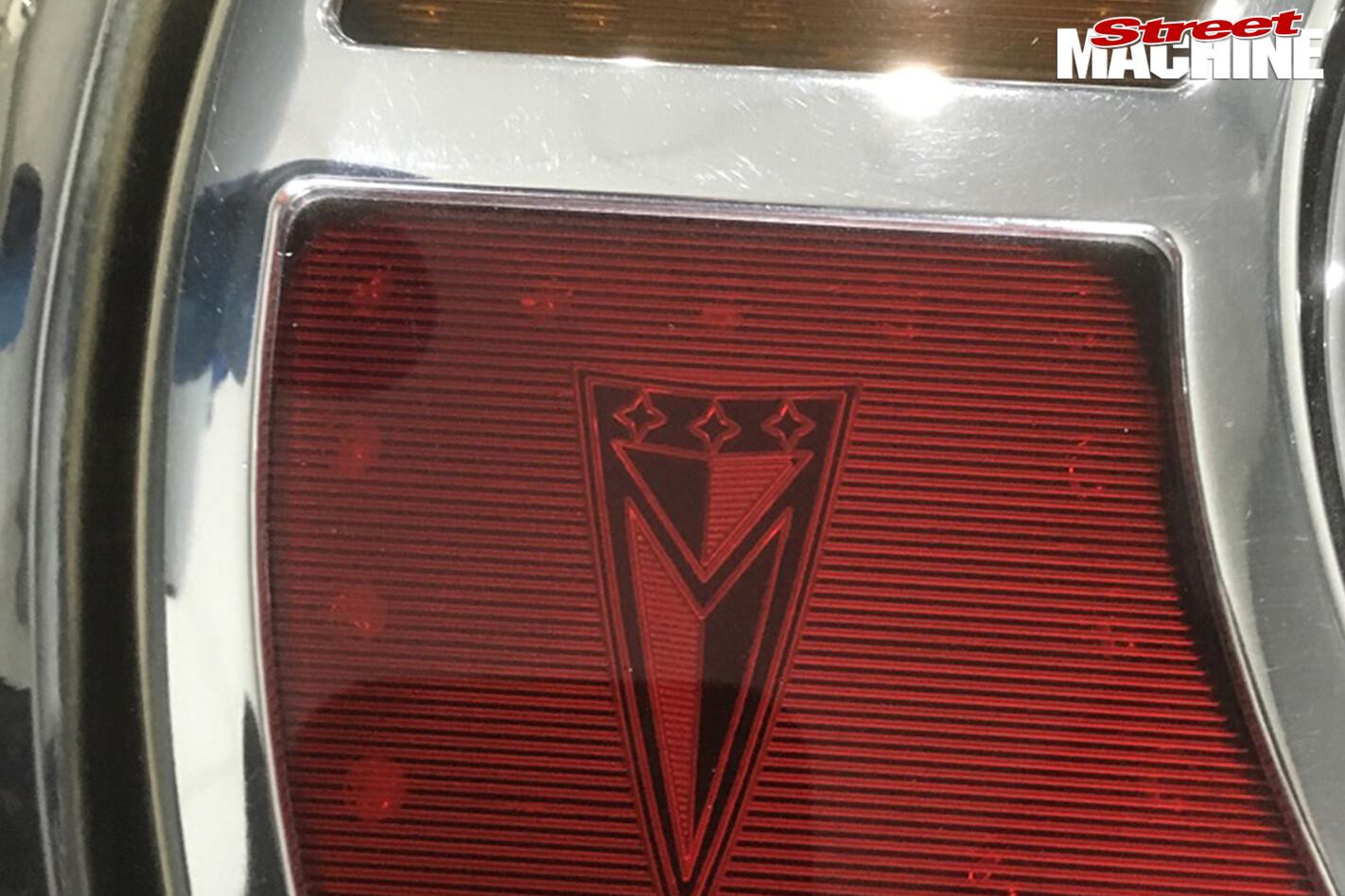 42-Pontiac -Laurentian -build -tail -lights
