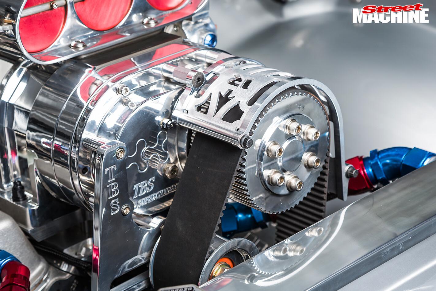 Holden -HG-Monaro -engine -blower