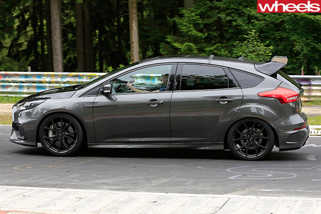 Ford -Focus -RS500-side